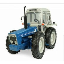 UH County 1174 Tractor 1/32 Scale, image
